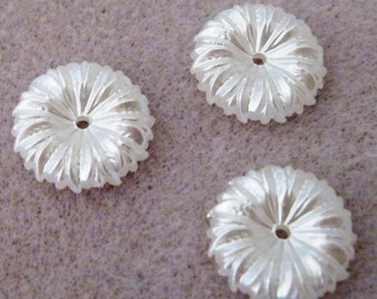 Lucite Acrylic Pearl White Daisy Flower Cap Beads 15mm 435