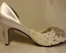 Low Heel Wedding shoes .. Embroidered Lace Bridal shoes .. Comfy wedding shoes .. Ivory satin wedding shoes