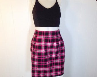 Vintage 90s GRUNGE ERA-  Pink & Black Plaid Woven Tweed High Waisted Mini Skirt
