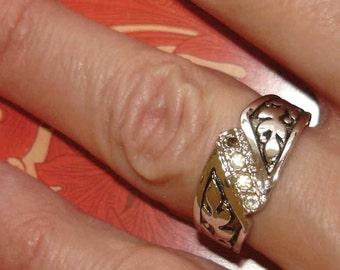 vintage faux diamonds leaf pattern silver band ring size 6.5