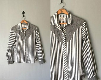 Vintage CIRCLE T Shirt • 1980s Clothing • Western Pearl Snap Button Up Long Sleeve Blouse 90s Shirt Top Black White Stripe • Women Medium