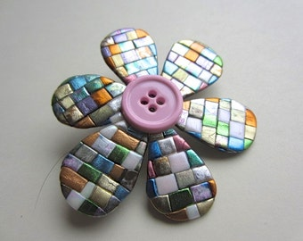Quilted mosaic posy flower pin brooch in pastels