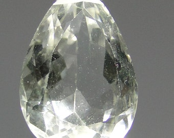 Faceted natural Quartz pear gemstone focal point bead, 29.01 carats                 066-005-001