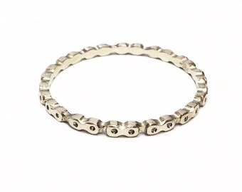 Bicycle Chain Ring (18K white gold)