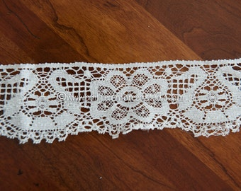 Pretty White Lace - 3 yards Vintage Fabric Trim 60s 70s New Old Stock