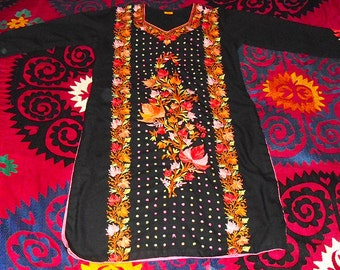Vintage India Kashmir Hand Embroidered Kaftan Tunic of Colorful Bouquet on Black Cotton