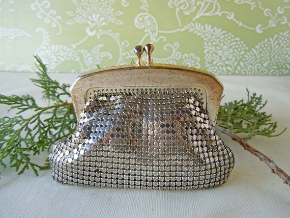 Vintage 1960s Clutch Coin Purse Silver Mesh Change Purse Something Old