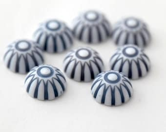 Vintage Lucite Blue White Striped Cabochons Cabs Flatbacks 12mm (8)