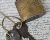 Military American US Padlock 2 keys Vintage Brass Lock USA