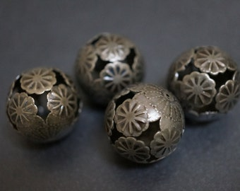 BULK SALE - No Coupons Large Round Floral Ball Beads - 21mm - 10 pcs