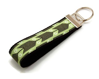 Green Feather Arrow Keychain - Modern Fabric Key Fob - Custom Wristlet
