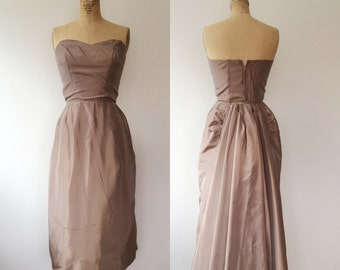 SALE / Satin Bombshell dress / Very Vogue Party dress