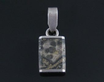 Vintage Sterling Silver Agate Pendant