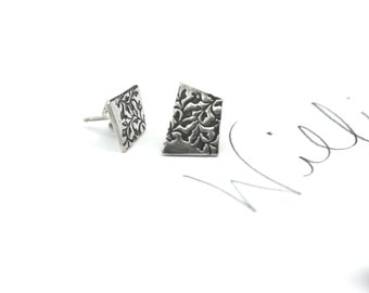 sterling silver post earrings . everyday simple post stud earrings . small vine post earring . valentine gift peacesofindigo ready to ship