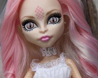 White Beaded Lace Choker Gothic Doll Jewelry Set for Petite Slimline dolls