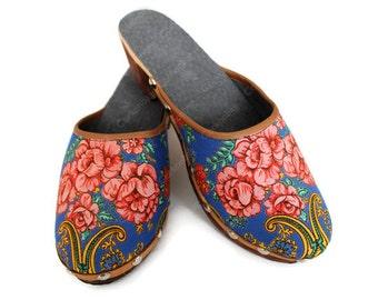 "Tradicional of Minho weared by the Portuguese ""lavradeiras"" handmade clog n.39 blue klein scarf pattern"