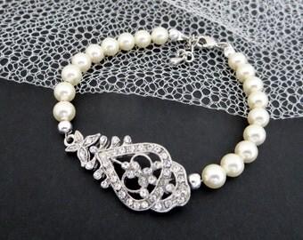 Art Deco Bridal bracelet, Pearl Wedding bracelet, Crystal bracelet, Wedding jewelry, Vintage style bracelet, Rhinestone bracelet