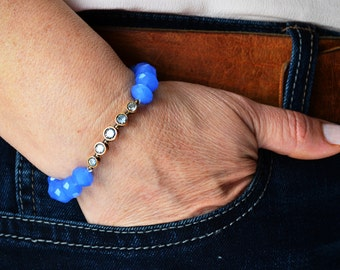 Crystal Cyan Glass Bead with Brass Connection Bracelets ( Elastic )