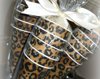 Lovely Leopard Paper Cones (16 count)