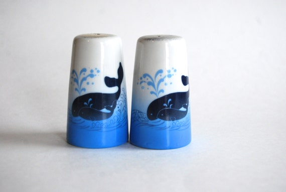 Vintage Salt And Pepper Shakers Whales Mom And Baby