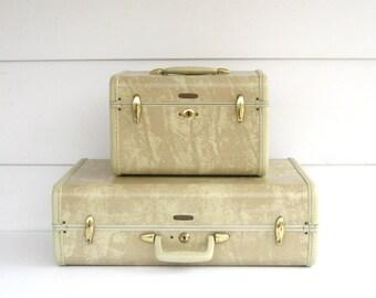 Vintage-Suitcase-Train Case-Luggage-Samsonite- Blond- Key