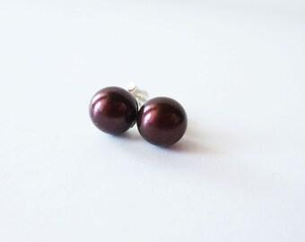 Chocolate brown pearl earrings. Pearl stud earrings. Pearl post earrings. Coffee brown pearl earrings. Akoya pearl earrings. Cultured pearls