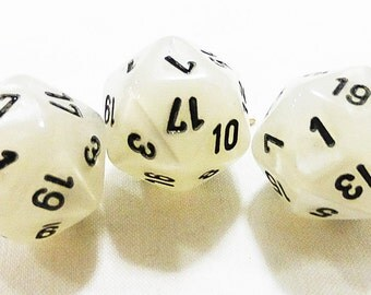CLEARANCE Dices vintage gaming set of 3 white
