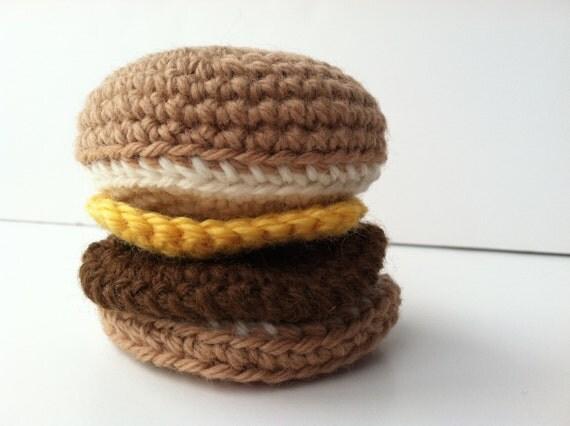 hnliche artikel wie amigurumi h keln hamburger mit k se essen spielzeug spielen pl sch pretend. Black Bedroom Furniture Sets. Home Design Ideas