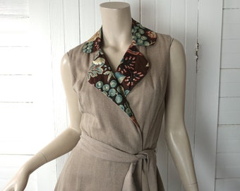 70s Wrap Mini Dress- 1970's in Taupe & Brown Floral- Medium- Rayon / Cotton