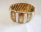 Vintage Oriental Motif Expandable Bracelet