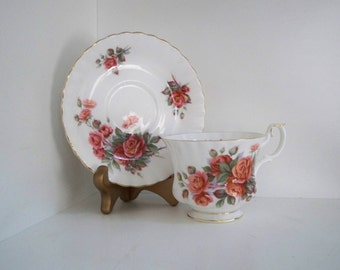 Vintage Fine Bone China Teacup and Saucer Made in England Royal Albert Rose