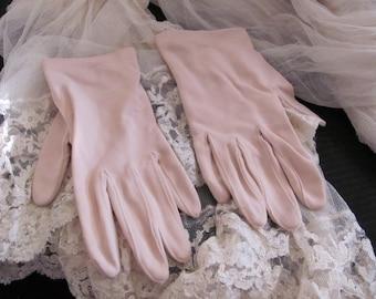 Gloves Vintage Beige Off White Ladies Nylon Stretch Wrist Gloves