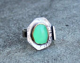 Chrysoprase Ring - Rose Cut Chrysoprase Ring - Rose Cut Green Stone Ring - 18 KT Gold Bezel - Rustic Gem Ring - Textured Silver Gem Ring