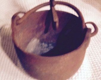 Vintage Cast Iron Melting Pot