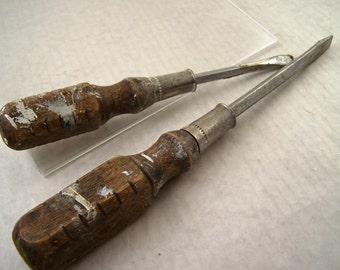 Vintage Wood Handled Flathead Screwdrivers Made in Taiwan
