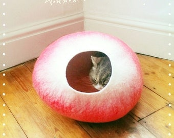 Felt Cat Cave/ cat bed- handmade - Red/White - S/M/L