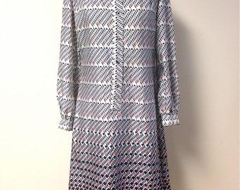 20% Off SALE Coupon Code FAVORITE20 Vintage 1970s Lanvin Geometric Print Shirt Dress