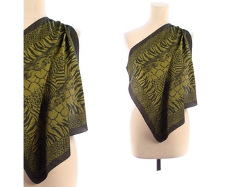 ANIMAL Printed Scarf 90s Safari Print Kerchief Woman 1990s Vintage Mossy Green Muffle Small Square Bohemian Neckwarmer Girlfriend Moms Gift