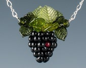 Blackberry Necklace w realistic glass blackberry lampwork beads and leaves on sterling silver chain. Fruit jewelry w art glass sculptures.