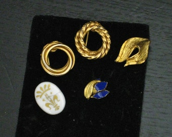 Vintage Collection of Five Stick Pins Gold Tone Wreaths and Such Jewelry