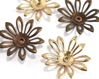 4 Vintage 1960s Flowers // 3D // 60s 70s Flower Finding  // Brass Copper // Craft Jewelry Supply