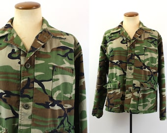 Camouflage Jacket Vintage 70s 80s Combat Hunting Button Up Camo Crop Boxy Vintage 1970s Mens Fatigue Military Style 1980s Woodland Medium M