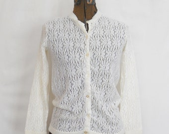 Vintage Cardigan Sweater • Vintage Ivory White Daises Sweater • Made in Japan Sweater