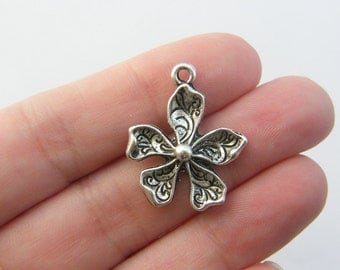 6 Flower charms antique silver tone F68