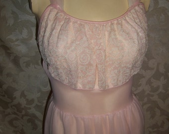 Vintage 50s Pale Pink Lace and Chiffon Nightgown Pin up