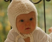 Knit baby hat. Knit baby earflap. Baby bonnet. Chunky wool hat. Off white. Newborn to 18 months. Baby shower gift under 30. Winter baby hat