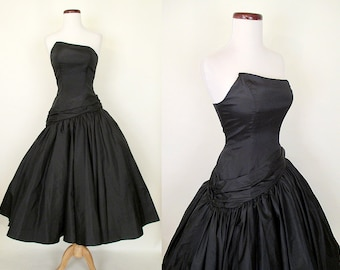 Stunning 1950's Black Asymmetrical Strapless Cocktail Party New Look Dress w/ Drop Waist & Full Skirt Rockabilly VLV Pinup Vixen Size-Small