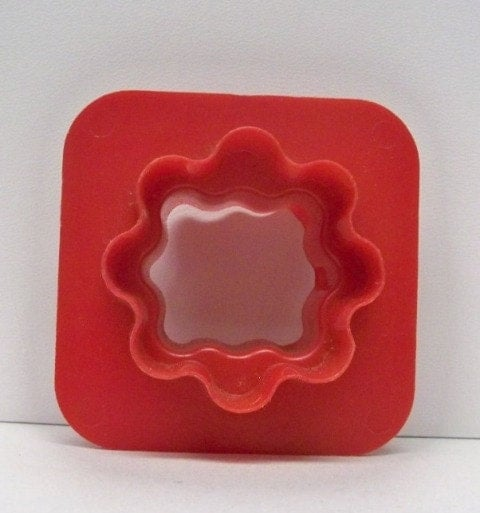 Vintage tupperware canap cutter kitchen appetizer cut out for Mini canape cutters