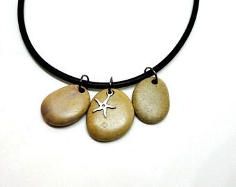 Beach PEBBLE necklace. Rubber. Beach jewelry. STarfish charm. SPANISH