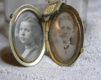 Antique Victorian oval locket with photos for repair